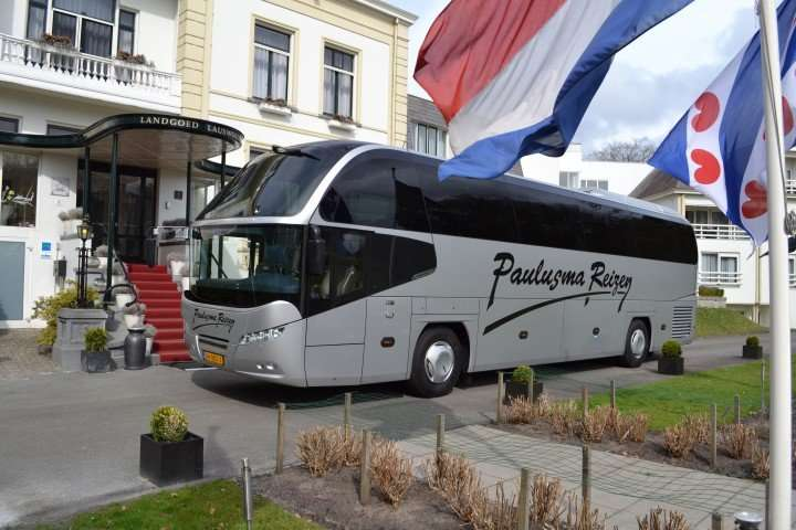 VIP touringcar met extra luxe
