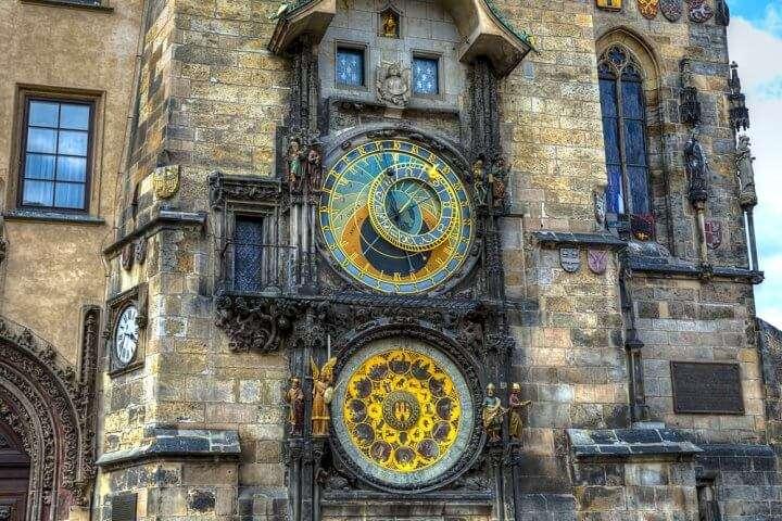 Kerstreis Praag, Dresden: Klok in Praag