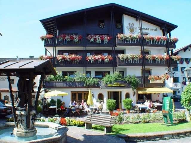 westendorf-hotel-mesnerwirt-hausansicht-sommer