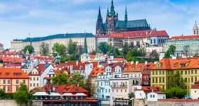 Tsjechie Praag zicht op burcht