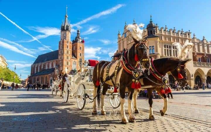 Polen Krakau marktplein koets