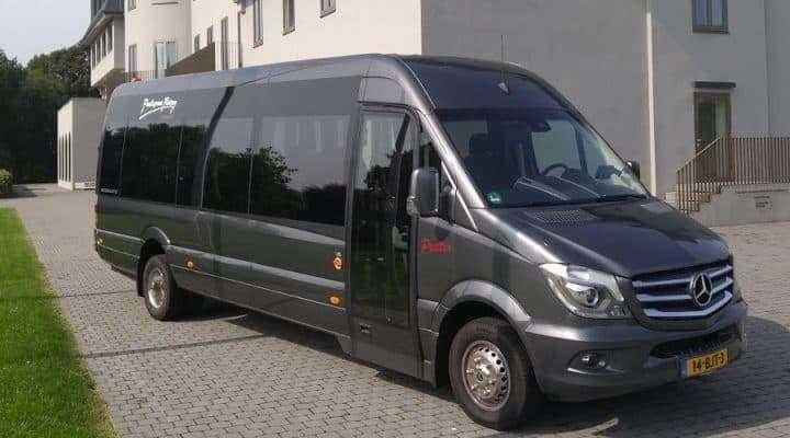 19-persoons minibus