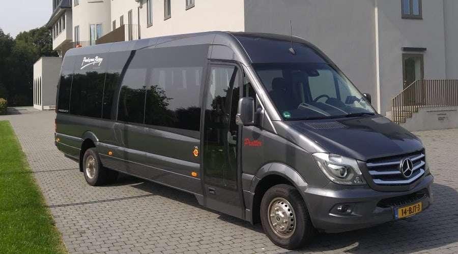 19 persoons minibus