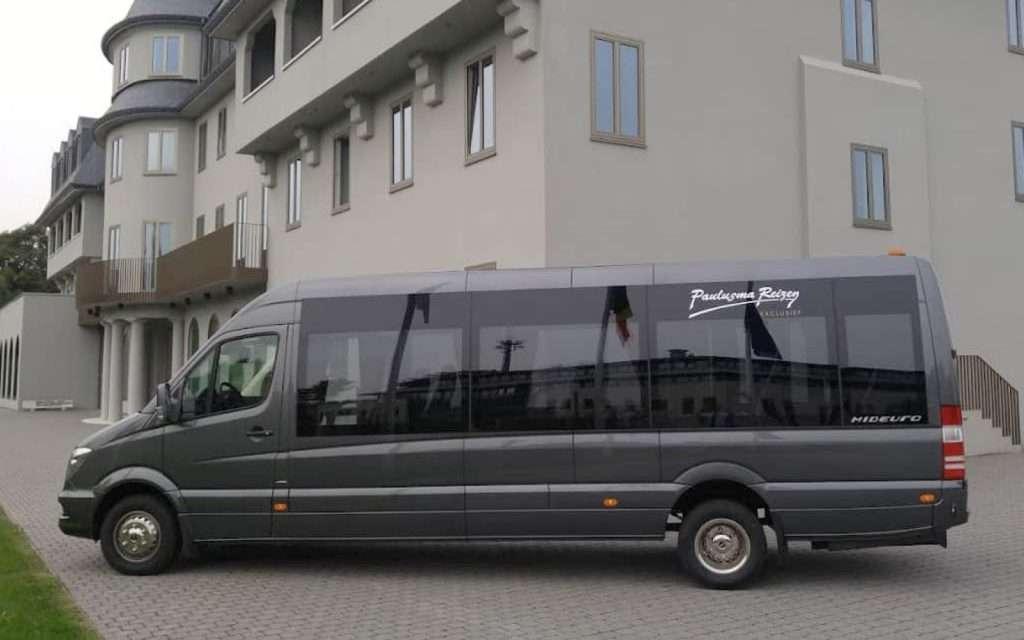 Luxe Minibus