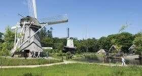 Nederland Arnhem Openluchtmuseum met molens scaled